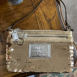 🌸COACH POPPY SEQUINNED WRISTLET